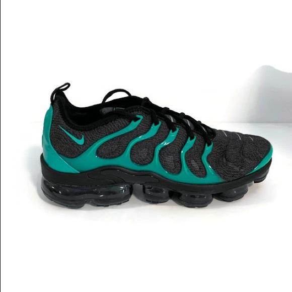 c2468aad994d3 Men s Nike Air Vapormax Plus - Black Grey Green